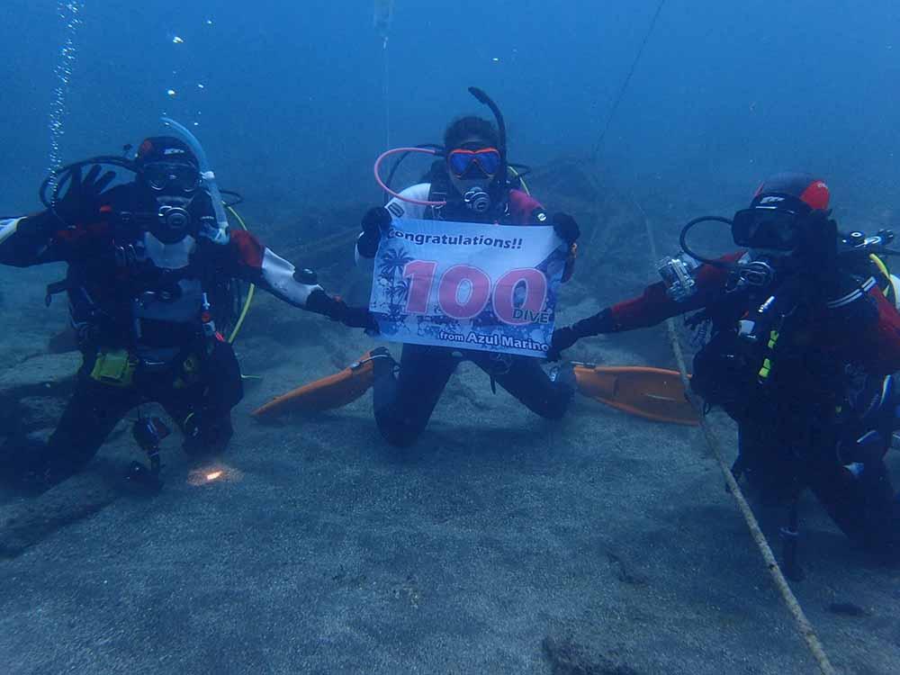アズールマリノスタッフの100記念ダイビング